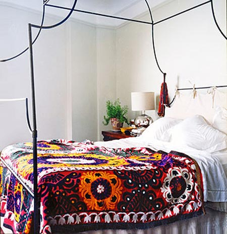 Traditional_embroidered_Suzani_bedspread_