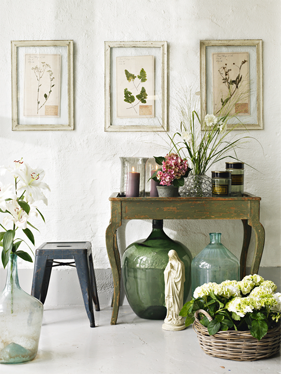 pretty-details-table-and-flowers