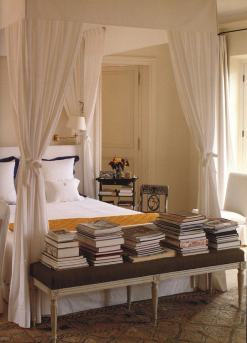 healthy-home-master-bedroom-hubert-de-givenchy